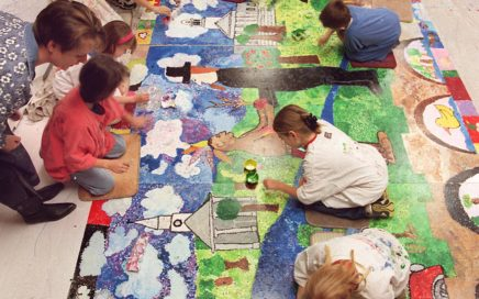 Milford Mural - Third graders work on a 36-foot mural at Orchard Hills School in Milford. The mural is being completed with money received for improved mastery test scores, by muralist Joanne Moran. 1/13/99 Photo-Casolino